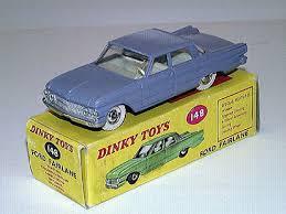 Quels facteurs peuvent surévaluer le prix d'un jouet vintage ?