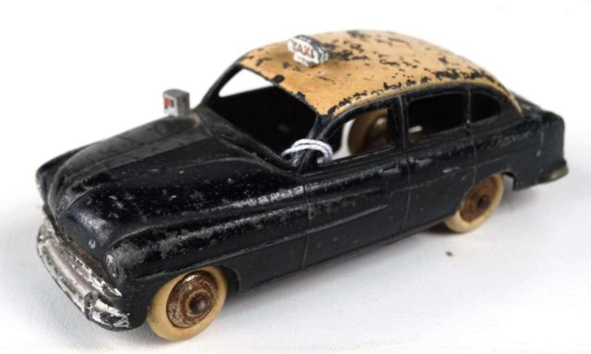 les 5 crit res qui d terminent la valeur d 39 une voiture miniature dinky toys dinky toys. Black Bedroom Furniture Sets. Home Design Ideas
